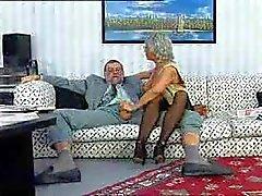 peludo madura doble penetración abuelas