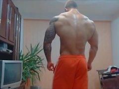 культурист позируют мышца