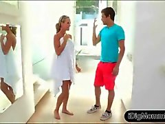 brandi love and her boyfriend indulge in a threesome