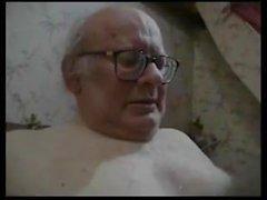 vieux jeune pov 18 ans ukrainien papa