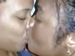 noir les fellations profondes lesbiennes