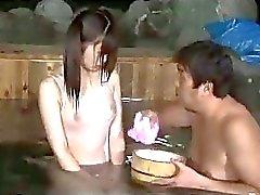 aasialainen uima-allas teini-ikäinen pikkuruinen