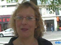 Francoise. Maman Pleine de Foutre