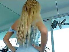 bdsm blondjes seksspeeltjes