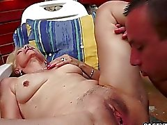 Mature Szuzanne plays with a young cock