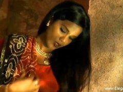 milfs indien cougars strip-tease bangladeshi