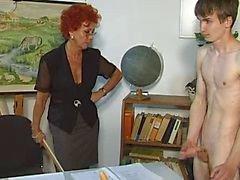 femdom rijpt spanking