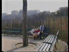 poilu nudité en public bas français petits seins