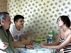 morena corno jovens de idade russo