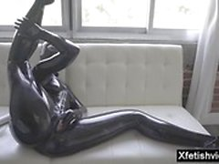 fétiche latex masturbation milf