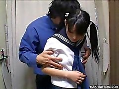 adolescente jovem coréia público bebê