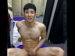 amatör asiatisk muskel muskulös solo manlig webbkameran ryck off wanking strök onani cumshot asiatisk