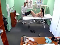 Czech girl wants fuck with her doctor