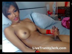 Hot Asian Cums on Cam