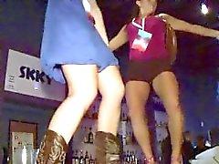 público bar bêbado garota - com garotas tateando