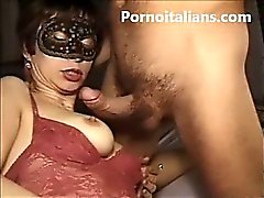 Italian amateur - sexy wife gets fucked by her husband Italian - coppia amatoriale italiana moglie scopata da marito italiano