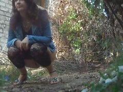piilotettu kamerat tirkistelijä metsä