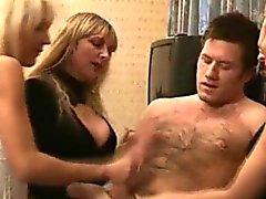 bebé rubia cfnm sexo en grupo paja