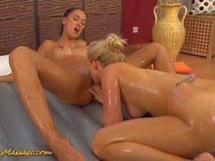 lesbiennes massage tchèque orgasmes baiser
