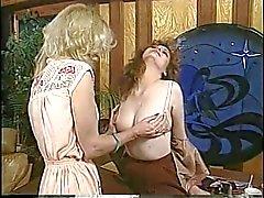 марочный лесбиянки блондинках