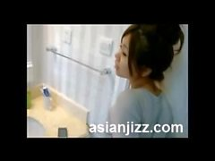 Obedient Singapore GF Fuck In Washroom