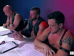 gangbang gay гомосексуалисты гомосексуалистам вдвоем групповой секс гомосексуалистам ханки гей