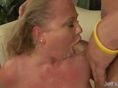coppia sesso vaginale sesso orale biondo