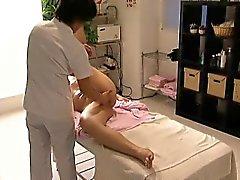 asiático doggystyle dedilhado massagem
