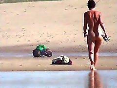 playa al aire libre desnudez pública