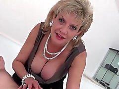 peitos grandes loira femdom fetiche