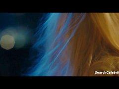 couple blond petits seins baiser romantique