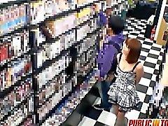 coppia sesso orale asiatico pompino pubblico
