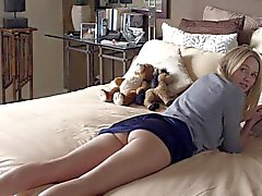 Naomi Watts - presenting her ass. (M&C)