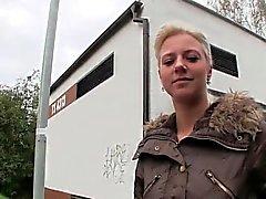 amateur blondine blowjob