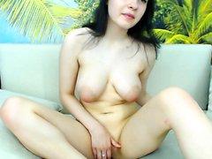 amateur gros seins brunette masturbation mamelons