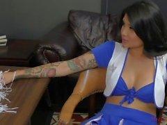 brenna sparks kink ass femdom culte meanbitches maîtresse esclave asiatique cul léchage brune pieds tatoués gros