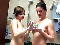 peitos grandes lésbicas milfs jovens de idade