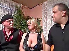 бисексуалов немецкий втроем