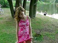al aire libre desnudez pública adolescentes