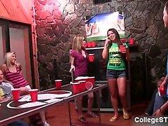 bambino pompino college girl dormitorio ubriaco