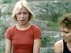 lesbiska offentlig nakenhet svenska threesomes