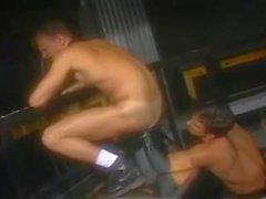 гей фистинг военный мышца 2 gay