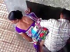 cames cachées indien nudité en public