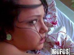 mamada sexy afeitado morena perforación