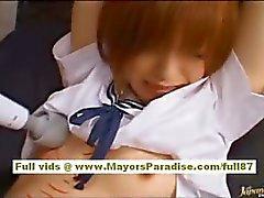 kindje schattig natuurlijke borsten amateur aziatisch