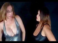 lezbiyenler memeler femdom büyük doğal göğüsleri