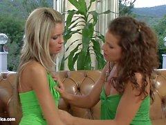 garota com garota beijando lésbica lésbicas vídeos pornográficos lésbica sexo cinema