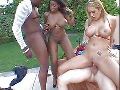 peitos grandes bundas grandes cumshots sexo em grupo interracial