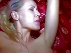 Czech babe Vicktoria boned with stranger