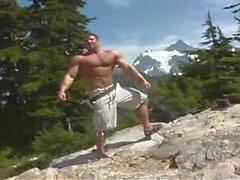 homossexual músculo ao ar livre gay penetrante pierced gay